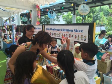 Pupils advertised and sold donated books to the public during the KidzFlea.JPG